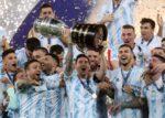 Messi akhirnya julang trofi bersama Argentina